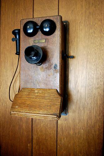 우리나라에 처음 소개된 전화기 모델