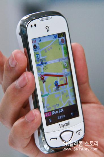 햅틱 착(B900)에서 Tmap 2.0을 실행한 모습