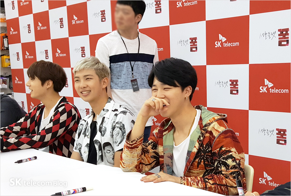 160608_BTS_sign_event_13