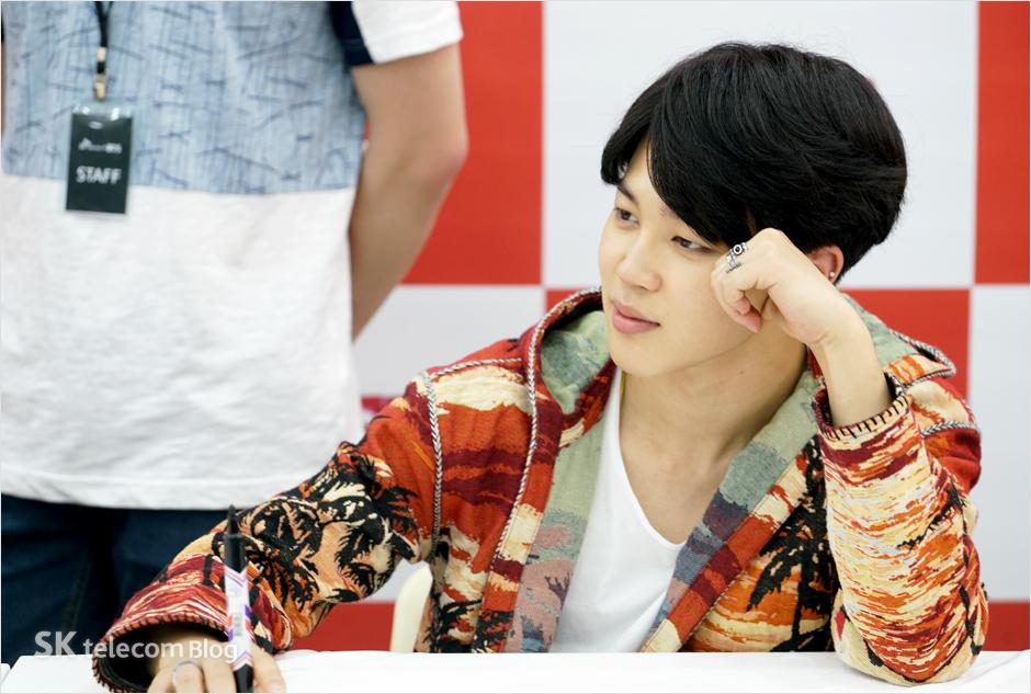 160608_BTS_sign_event_38