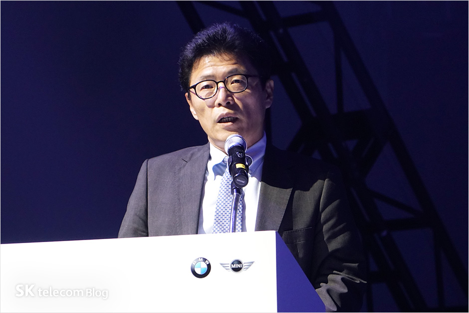 161117-5g-connected-car_14
