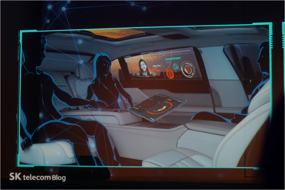 161117-5g-connected-car_32
