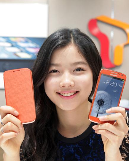 갤럭시POP `페스티벌 오렌지`, SK텔레콤, 컬러마케팅, 고객 100만명 증가