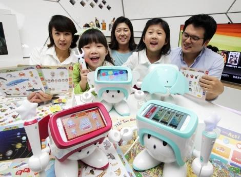 SK텔레콤, 스마트폰 결합형 교육로봇, 아띠, 스마트로봇, ICT 교육